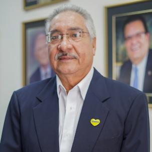 Carlos Urquilla - Director suplente